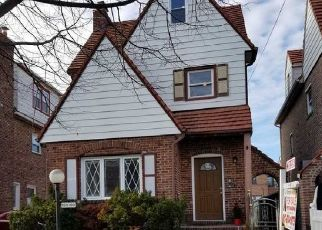 Foreclosed Home en 227TH ST, Springfield Gardens, NY - 11413