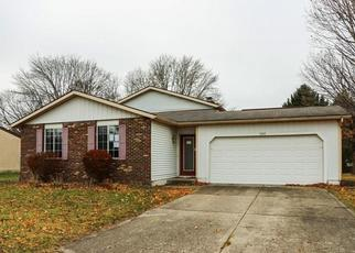 Foreclosed Home in BRENTWOOD DR E, Plainfield, IN - 46168