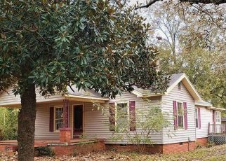 Foreclosed Home en E BROAD ST, Iva, SC - 29655
