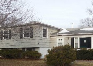 Foreclosed Home in PARKWAY DR, Bettendorf, IA - 52722