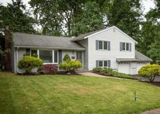 Foreclosed Home in LINDEN LN, Wayne, NJ - 07470