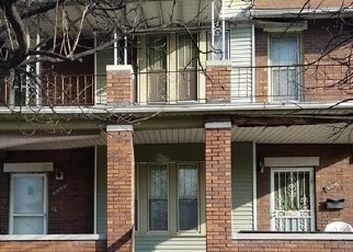Foreclosed Home en W GRAND BLVD, Detroit, MI - 48208