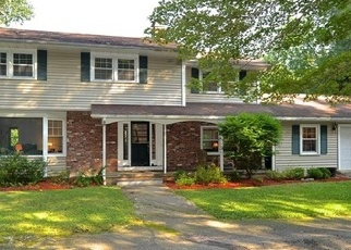 Foreclosed Home in JOHN BEACH RD, Newtown, CT - 06470