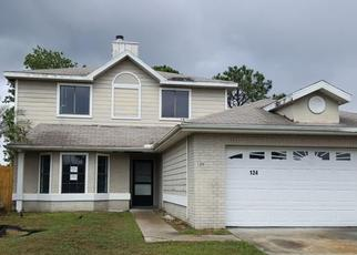 Foreclosed Home in PINEWOOD CIR, Kissimmee, FL - 34743