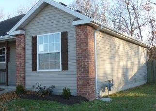 Foreclosed Home en W CHEROKEE PATH, Clever, MO - 65631