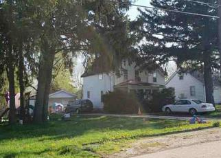 Foreclosed Home en MCMILLEN AVE, Aurora, IL - 60506