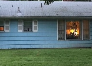Foreclosed Home en PICKET LN, Bloomfield, CT - 06002