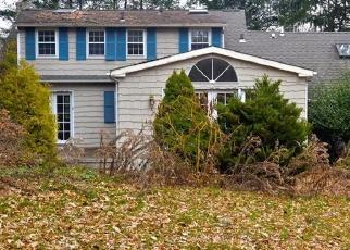 Foreclosed Home en WILTON RD, Westport, CT - 06880