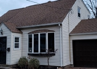 Foreclosed Home in BEVERLY HILL RD, Clifton, NJ - 07012