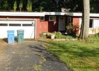Foreclosed Home en HILL ST, Hamden, CT - 06514