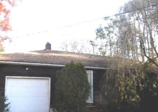Foreclosed Home en LINCOLN RD, Medford, NY - 11763