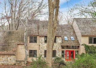 Foreclosed Home en N HEILBRON DR, Media, PA - 19063