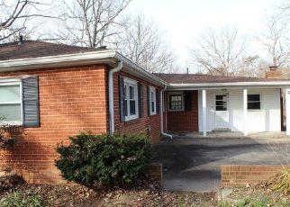 Foreclosed Home en POST OAK RD, Spotsylvania, VA - 22551