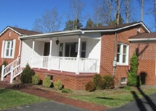 Foreclosed Home en HAMPTON ST, Clintwood, VA - 24228