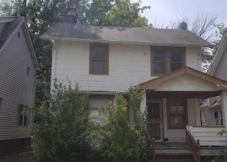 Foreclosed Home en WICKFORD RD, Cleveland, OH - 44112