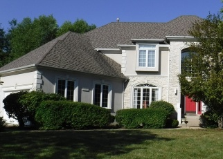 Foreclosed Home in EVERCREST CT, Naperville, IL - 60564