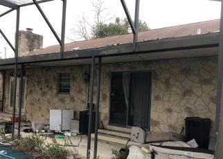 Foreclosed Home en MILLENBECK AVE, Deltona, FL - 32725