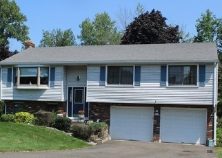 Foreclosed Home in GLENWOOD DR, Wethersfield, CT - 06109