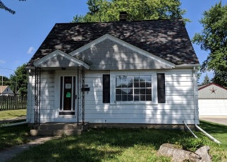 Foreclosed Home en S 85TH ST, Milwaukee, WI - 53227