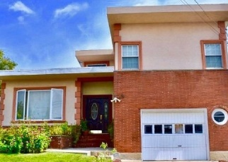 Foreclosed Home en BAY 31ST ST, Far Rockaway, NY - 11691