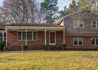 Foreclosed Home en CEDAR CREST RD, Richmond, VA - 23235