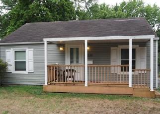 Foreclosed Home en E CHEROKEE ST, Springfield, MO - 65804