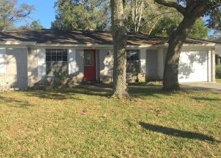 Foreclosed Home en SEMINOLE AVE, Altamonte Springs, FL - 32701