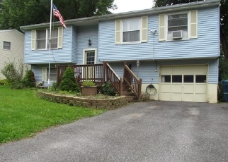 Foreclosed Home en STEPPING STONE LN, Liverpool, NY - 13090