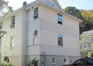 Foreclosed Home in SCOTT ST, Naugatuck, CT - 06770
