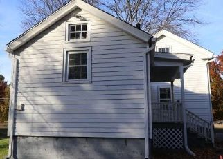 Foreclosed Home en HAZARD AVE, Enfield, CT - 06082