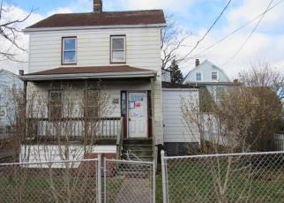 Foreclosed Home en PALACE PL, Port Chester, NY - 10573