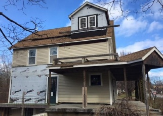 Foreclosed Home en CHURCH ST, Canaan, CT - 06018