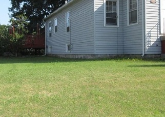 Foreclosed Home en ASHCRAFT RD, New London, CT - 06320