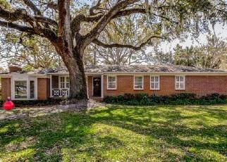 Foreclosed Home en WATER OAK LN, Jacksonville, FL - 32210