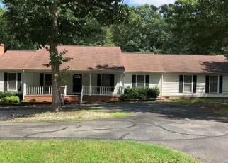 Foreclosed Home en CHARLEMAGNE RD, Midlothian, VA - 23114