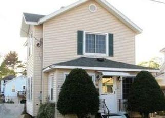 Foreclosed Home in GORDON RD, Shrewsbury, MA - 01545