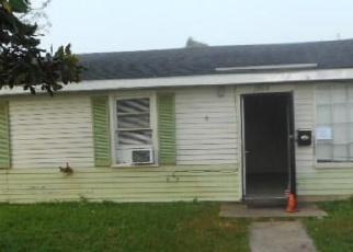 Foreclosed Home in ROSE DR, Gretna, LA - 70053