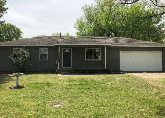 Foreclosed Home in W 5TH ST, Skiatook, OK - 74070
