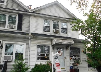 Foreclosed Home en MANSE ST, Forest Hills, NY - 11375