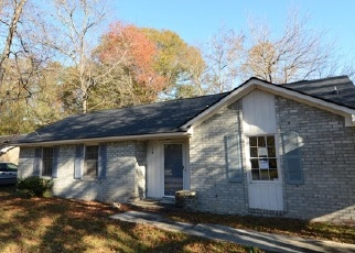 Foreclosed Home en BLUEBELL AVE, Summerville, SC - 29483