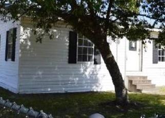 Foreclosed Home en WILLIAMS AVE, Nashville, GA - 31639