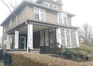 Foreclosed Home in COLLINGWOOD ST, Detroit, MI - 48202
