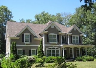 Foreclosed Home en N STONINGTON RD, Stonington, CT - 06378