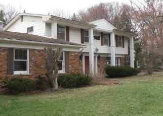 Foreclosed Home in ALINE DR, Warren, MI - 48093