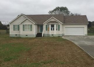 Foreclosed Home en ERWIN HILL RD SE, Calhoun, GA - 30701