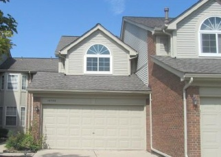 Foreclosed Home en HILLTOP CIR, Riverview, MI - 48193