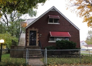 Foreclosed Home en S ESCANABA AVE, Chicago, IL - 60617