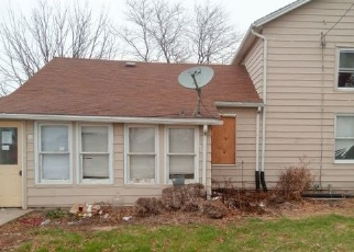 Foreclosed Home in AIRPORT RD, Morris, IL - 60450
