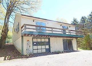 Foreclosed Home en WYNONAH DR, Auburn, PA - 17922