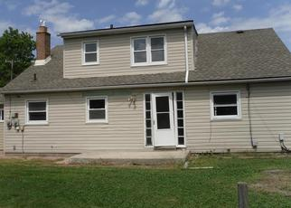 Foreclosed Home en DELAWARE ST, Roseville, MI - 48066
